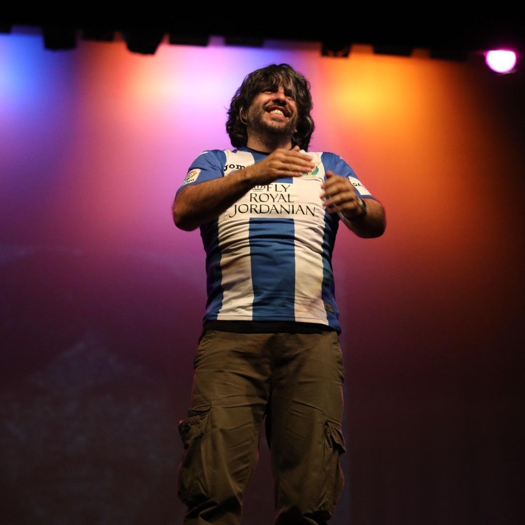 JJ Vaquero, exclusiva con la camiseta del C.D. Leganés